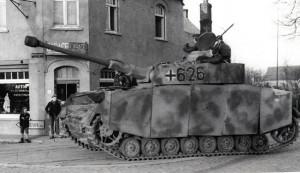 "Panzer Mk IV Waffen SS Panzer Mk IV and Crew, France Panzer Mk IV 12.SS-Panzer-Division ""Hitlerjugend"""