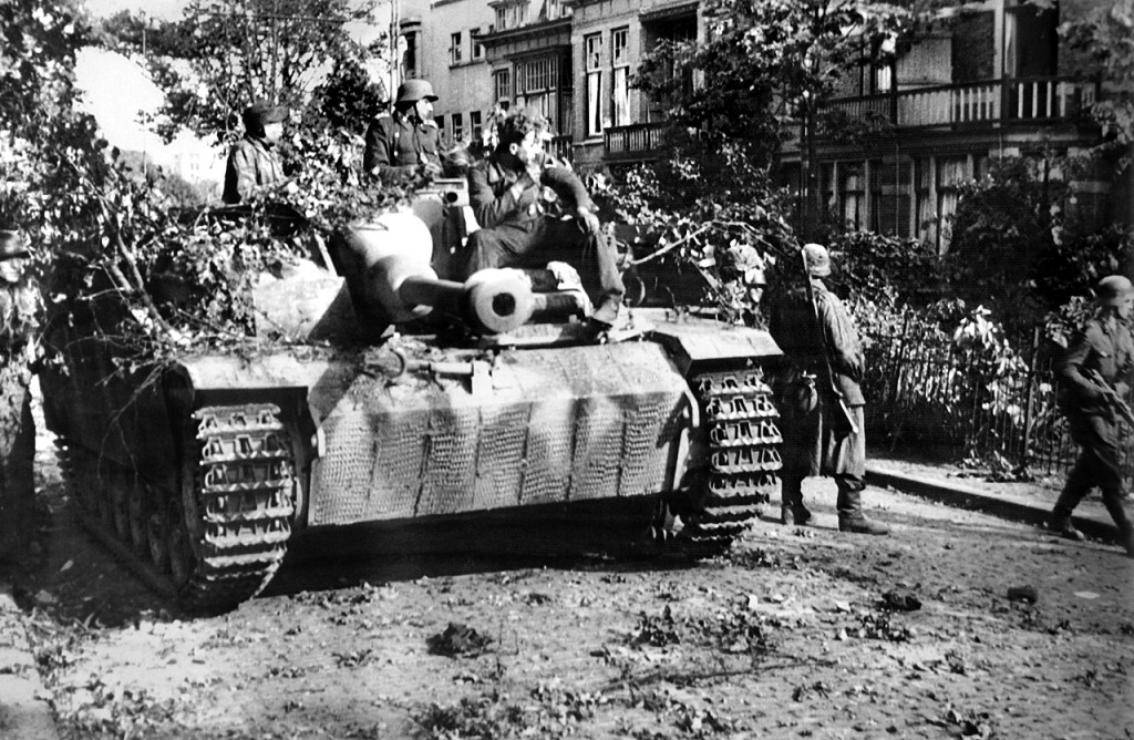 """""""Waffen SS"""" """"StuG III"""" """"Hohenstaufen"""" """"Arnhem"""""""